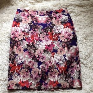 Floral Pencil Skirt Size 6 Talbots